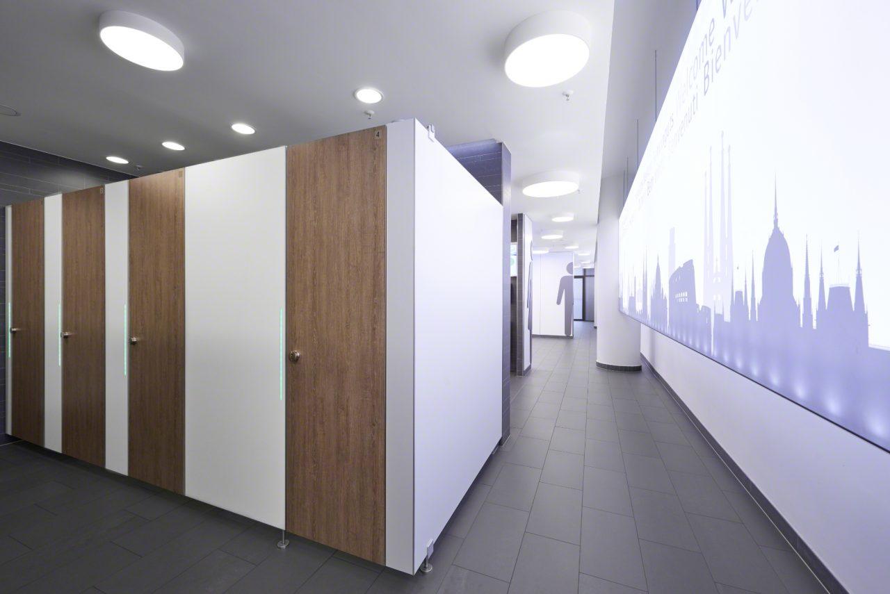 Toiletten, Anlage, WC, Umkleide, Sanitär, TWS, Trennwandschäfer, Europapassage, Düsseldorf, Modern, Architektur, Atticus & Röttgen Fotografie, Helge Atticus